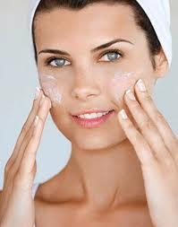 Eliminar el maquillaje de la cara