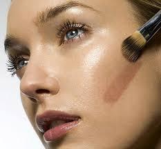 Cómo usar una buena base en la piel seca