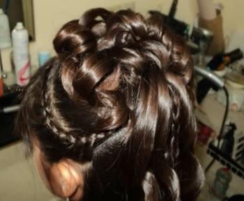 Los 4 peinados para comuni n m s sencillos paso a paso - Peinados sencillos para comunion ...