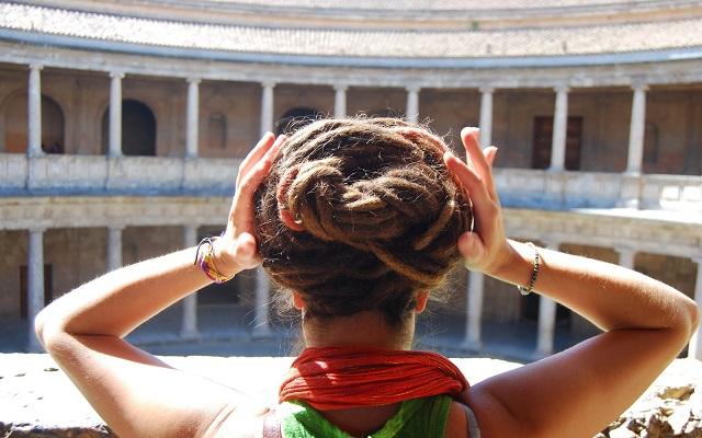 peinados con rastas