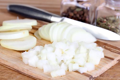 eliminar manchas con cebolla