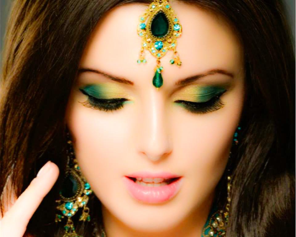 Como lograr un maquillaje profesional paso a paso for Pintarse los ojos facil