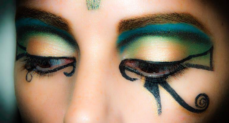 Maquillaje-de-Cleopatra-6