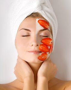fresas-cuidan-piel-cutis-rostro-mascarilla-fruta-300x380