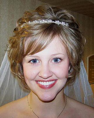 Simplemente hermosa. peinados de boda con velo