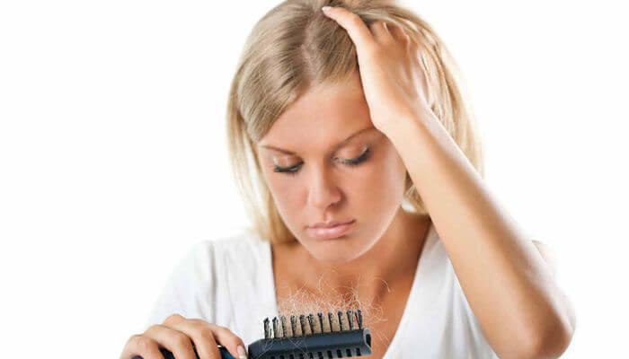 La máscara para los cabellos contra la caída que estimula el crecimiento de los cabello