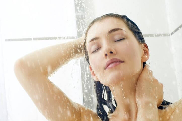 Agua fria para el cabello