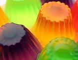 Como hacer unas deliciosas gelatinas y gomitas de colores muy saludables.