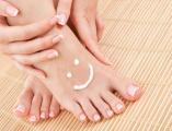 ¿Cómo eliminar los callos en los pies con remedios caseros?