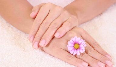 Descubre cómo hacer crecer tus uñas sanas y fuertes:
