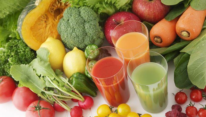 jugo de vegetales crudos para las lombrices