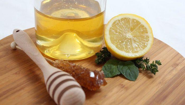 limon y miel para la amigdalitis