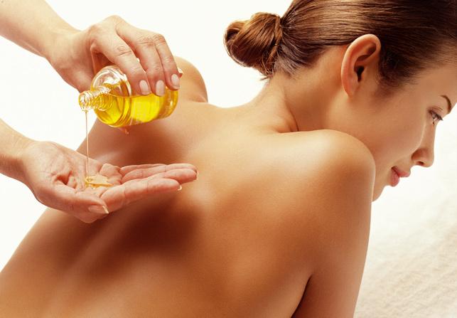 aceite de sándalo como remedios naturales para el dolor de espalda