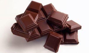 evita el chocolate si sufres de estreñimiento