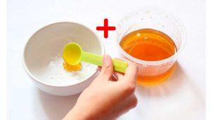 el bicarbonato y la miel son exfoliantes caseros para los labios
