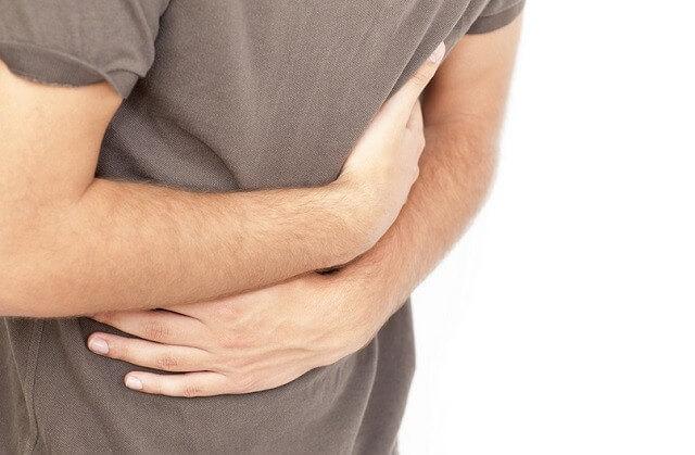 propiedades medicinales del llantén para la diarrea, las úlceras gástricas, y la colitis