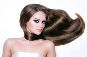 usos del aceite de almendras para el cabello