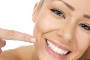 los mejores remedios caseros para blanquear los dientes