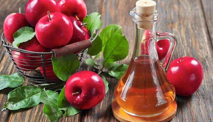 vinagre de manzana para combatir los granos en la cara