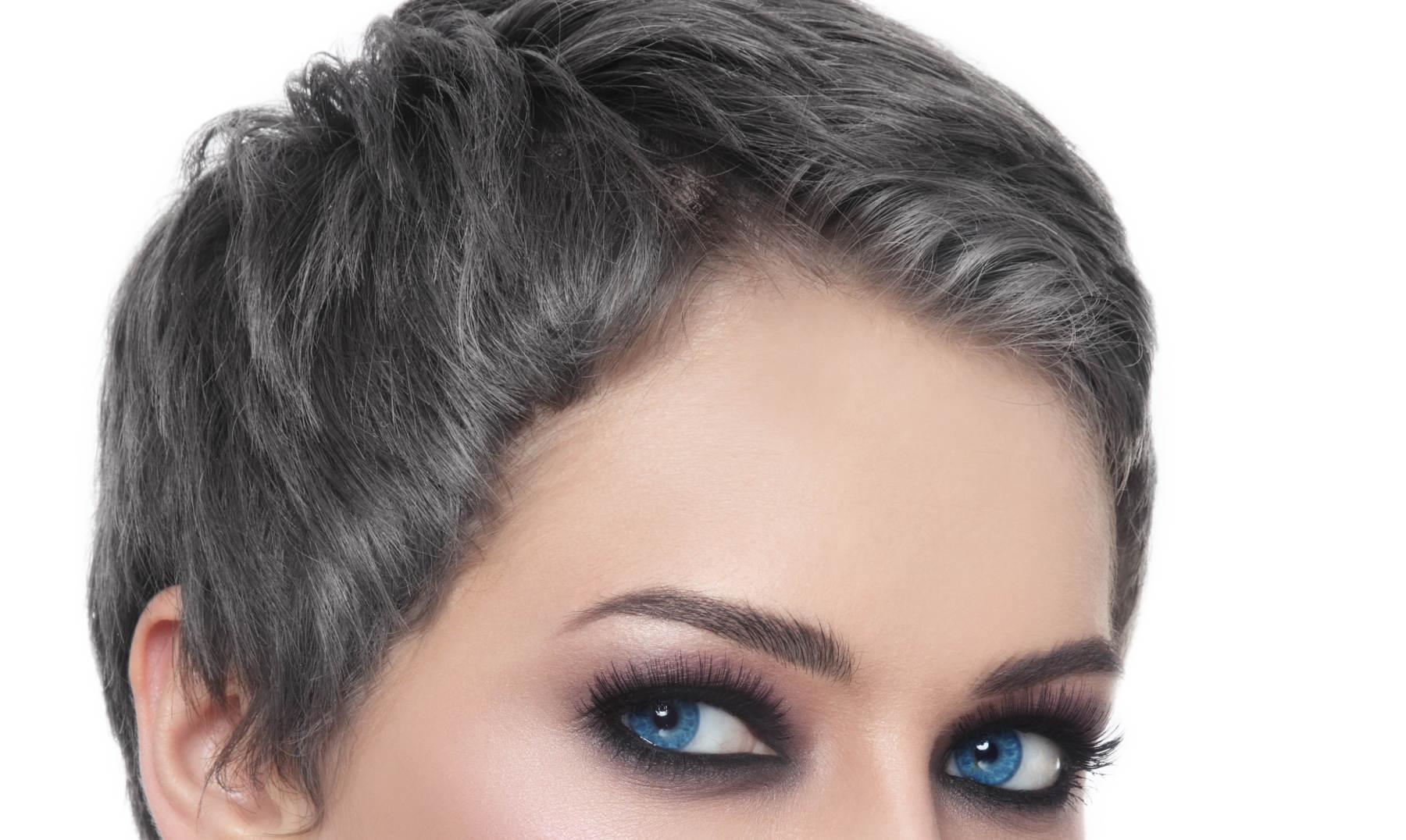 Las medicinas contra la caída de los cabello a los adolescentes