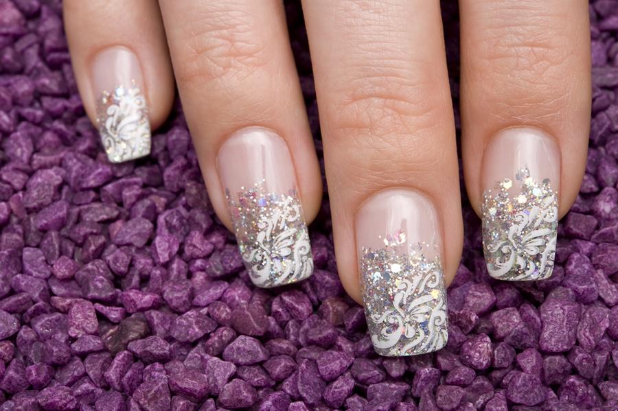 usar uñas acrílicas