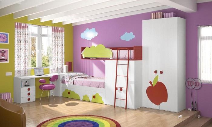 decoración de una habitación infantil con colores alegres