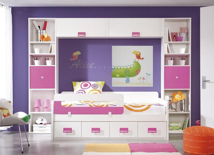 decoración de una habitación infantil de niñas