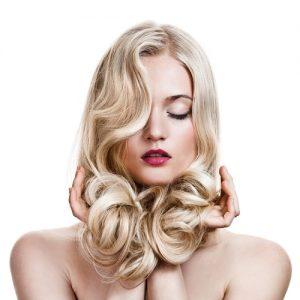 peinados de pelo largo rubio