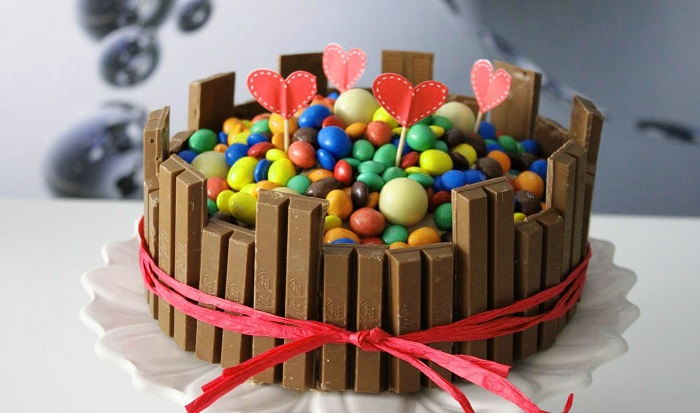 como decorar un pastel con chocolate