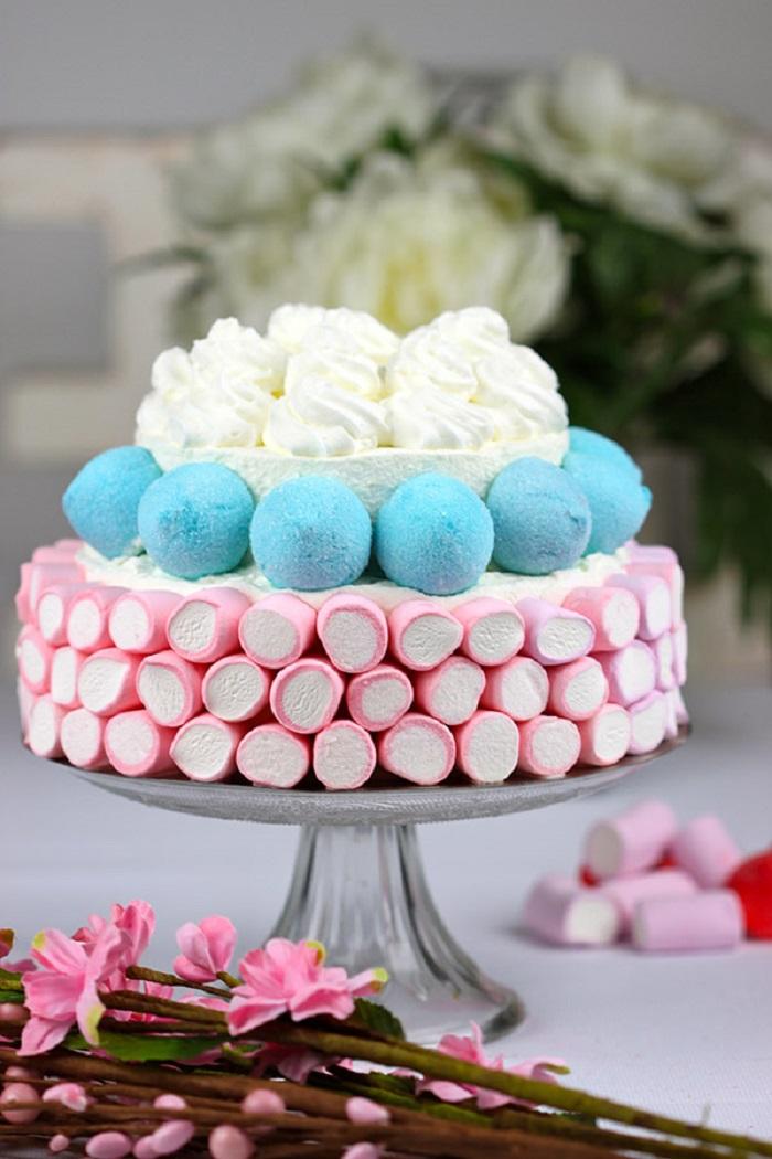 como decorar un pastel con nubes de azucar