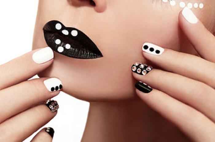 elementos para decorar uñas minimalista