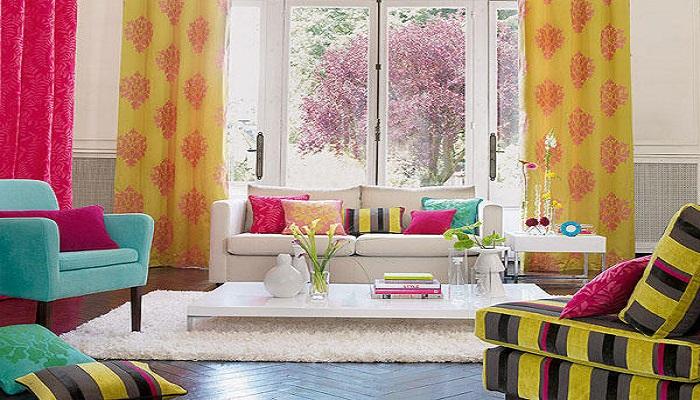 ideas de decoración para salones con colores fuertes