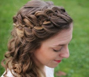 peinados con trenzas fáciles con ondas