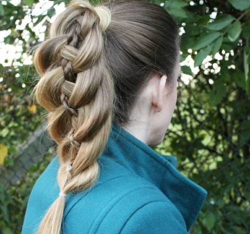 peinados con trenzas fáciles en cola de caballo