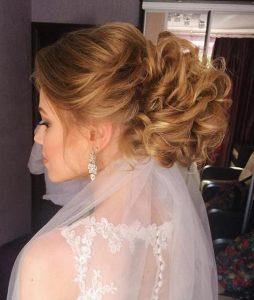 peinados para una boda con velo