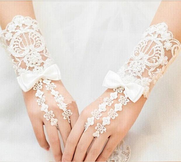 usar-guantes-en-la-boda