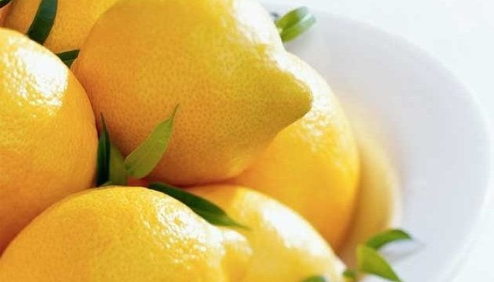Elimina la caspa con limón