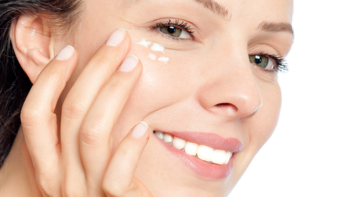 Cómo aplicar productos para la piel normal