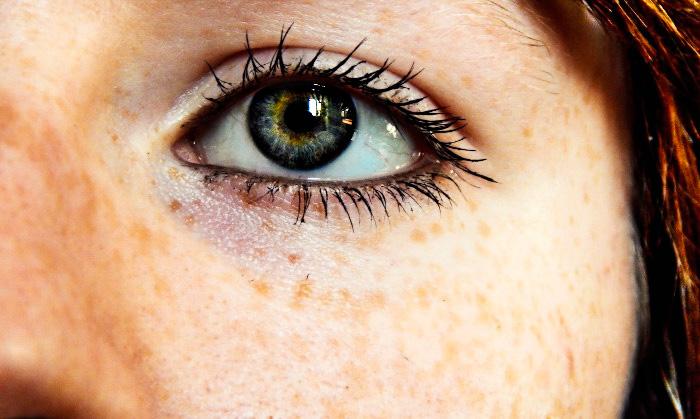 contorno de ojos hidratado