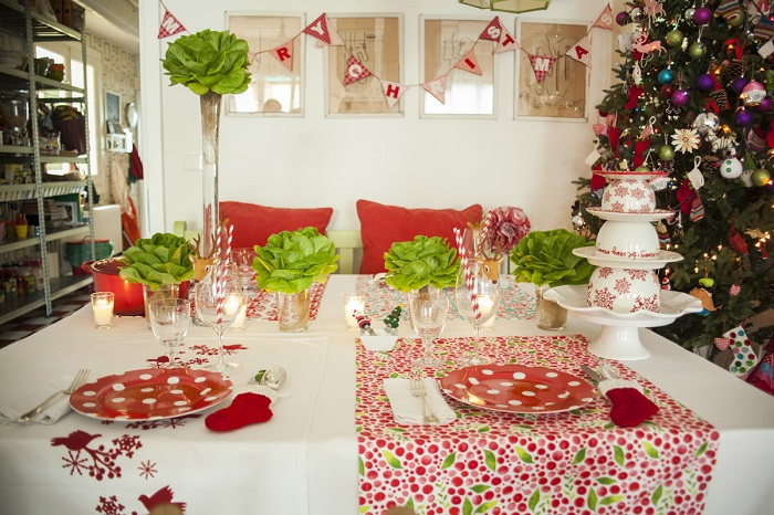 decoración de una mesa de navidad económica