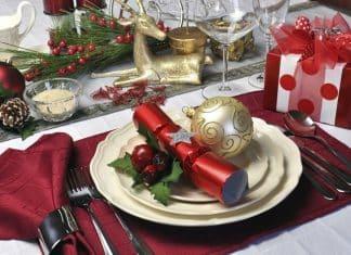decoracion de una mesa de navidad
