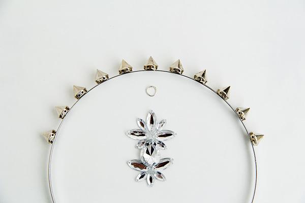 unir gemas a accesorios para el cabello