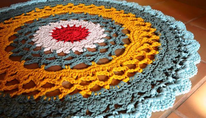 Ideas de alfombras hechas a mano renueva tu hogar y recicla for Alfombras nudos hechas mano