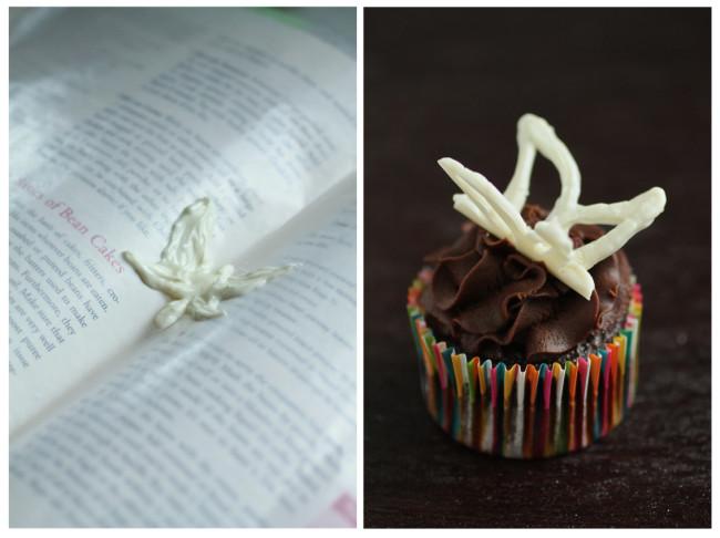 decorar cupcakes con formas de chocolate