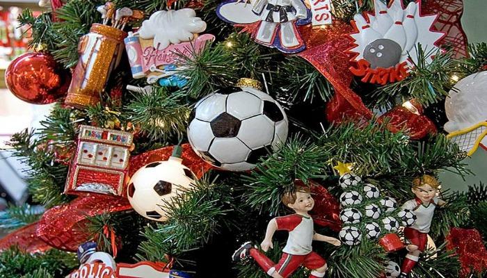 decorar un árbol de navidad con esquema de futbol