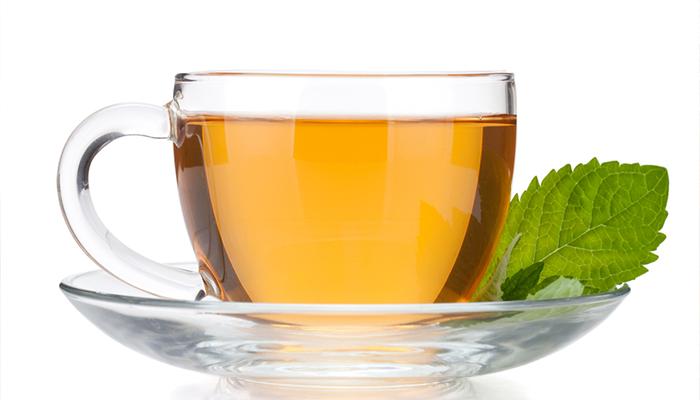 usar té verde para la piel y el cabello