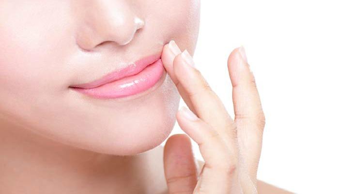 exfoliar la piel de los labios con aceite de oliva