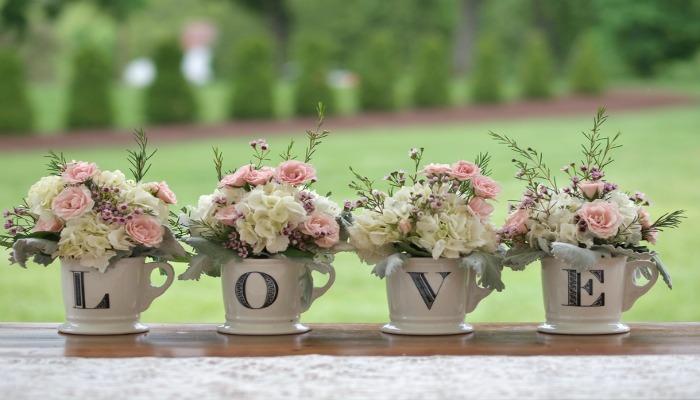 decoración shabby chic con flores