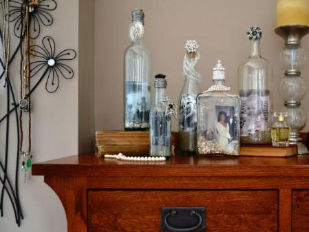 decorar botellas de vino como marcos de fotos