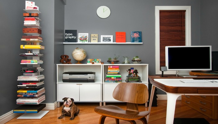 decorar una oficina pequeña con piezas no convencionales